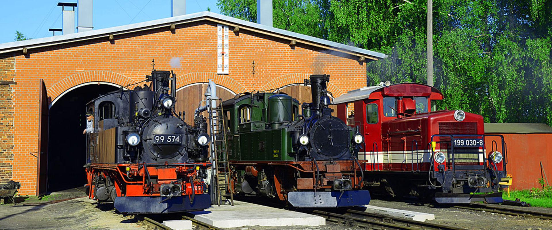 Lokomotiven vor dem Schuppen in Mügeln.  © Christian Sacher