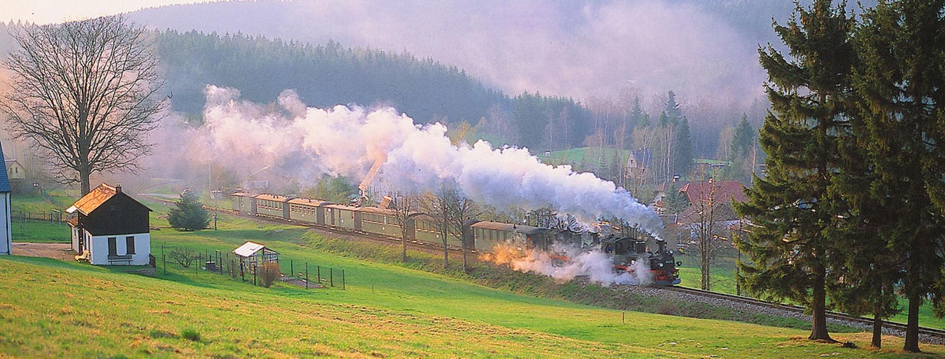Dampfzug auf der Museumsbahn Schönheide.  © Rotkopf Görg Verlagsgesellschaft mbH - A Linz